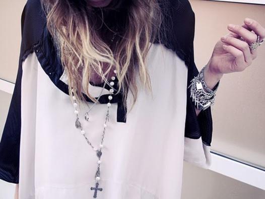 H3R pearl [rosaries].